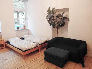 Gästezimmer 20qm, Erdgeschoss im typischen Berliner Altbau